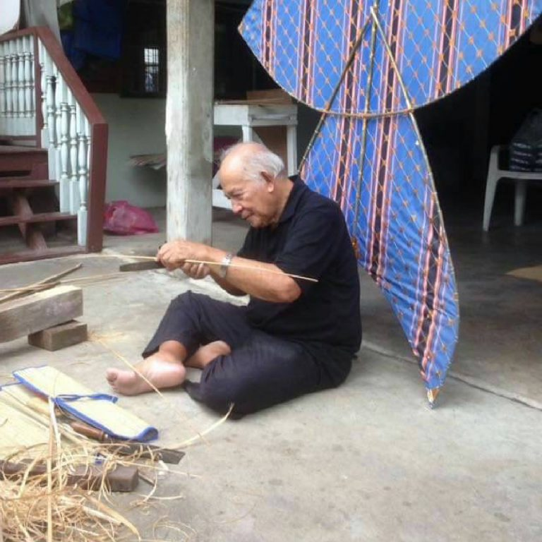 Kite Making Workshop by Thai Kite Association